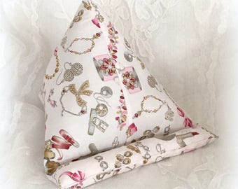Pillow stand for tablet or eReader