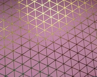 coupon de tissu adhésif, autocollant style masking tape pour serviettage, collage, décopatch, fond rose motif géométrique