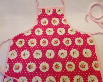 Apron for children from 4 to 10 years for cooking, painting or tinker alike