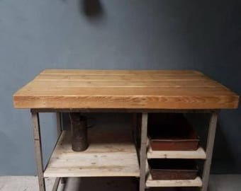 Old Workbench worktable