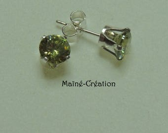 Sterling Silver 925 with green cubic zirconia CZ earrings