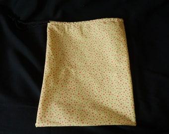 bag has loose pattern stars
