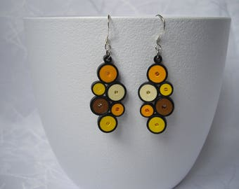 Earrings paper quilling