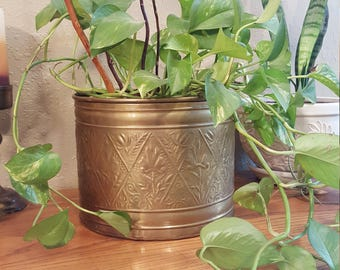 Large vintage brass planter.  Rustic, masculine, bohemian.