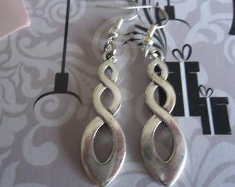 Earrings silver spiral pattern