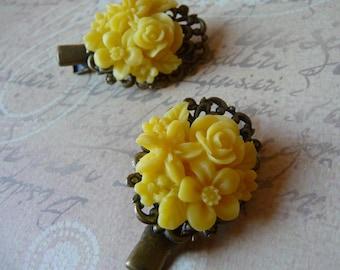2 flowers hair clips pins yellow resin on Mount crocodile bronze baroque wedding romantic 4 x 2.3 cm