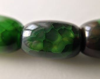 set of 2 cracked agate beads 12mm Green oval transparent /3/