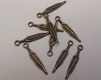 25 charms feather color bronze.