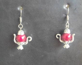 Red teapot shape earrings