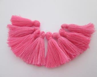 8 pompons en fils de coton longueur 3 cm couleur : rose dragée