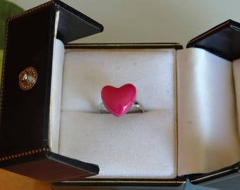 Raspberry heart 1.1 cm mounted on 14mm Adjustable ring