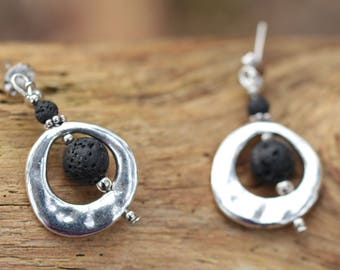 Round earrings silver, lava and metal beads silver
