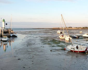 Low tide at the fleet in d (Island)