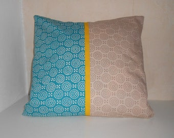 Cushion cover 40 X 40 cm in turquoise and beige fabric