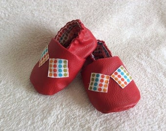 """Red faux leather """"peas"""" baby Bootie"""