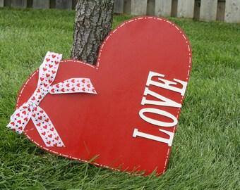 Valentine's Door Hanger, Heart Door Hanger, Love Door Hanger, Valentine's Heart Door Hanger, Valentine's Decor, Heart Decor