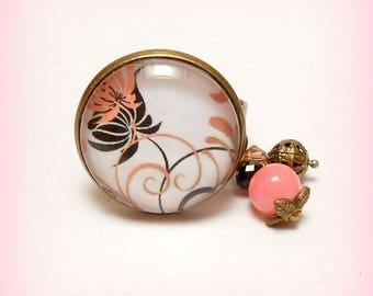 """""""Small floral Arabesque"""" glass cabochon ring"""