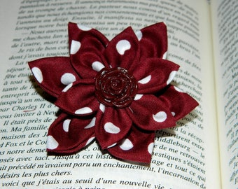 Flower brooch made with fabric and polymer clay (fimo), Burgundy tones