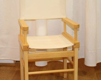 Chair sets in natural wood Polish for customizable 18 months to 6 years child