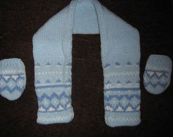 Hand knitted scarf and mittens blue t 3/6 months