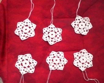 6 small white stars crochet