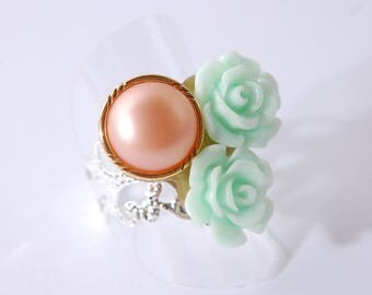 Ring cabochon flower green pale, salmon sewing button