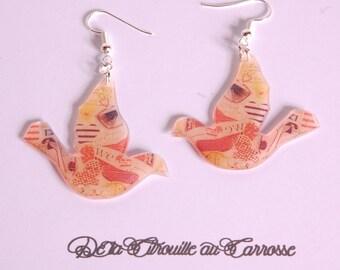 Beige retro bird earrings