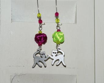 """""""Cats and balls of wool"""" earrings"""