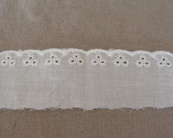 1 meter of white lace cotton width 35mm