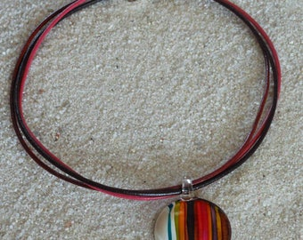 Choker necklace pendant glass on leather ties