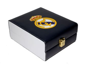 Real Madrid Deluxe Set 3 Games: Dominó, Dice Cup, 2 Poker Cards
