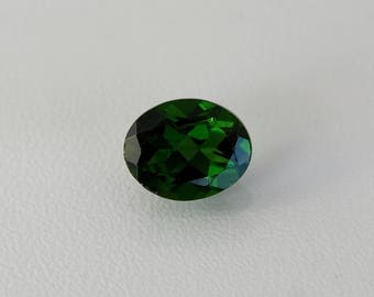 Green chrome diopside gemstone 2,78 ct oval cut faceted green stone Natural loose stone for jewelry