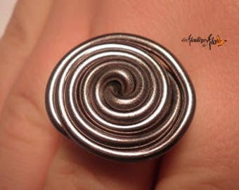 01200 - Ring aluminum grey thrown in licorice