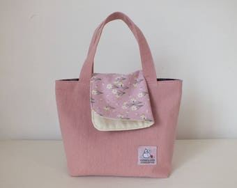 """KIDs: set of """"handbag"""" and """"Daffodil patterned handkerchief"""" in pink"""