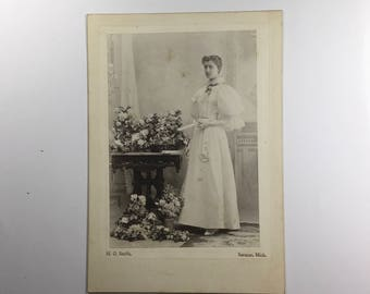 Antique cabinet card photograph, young woman in white, Saranac, MI.
