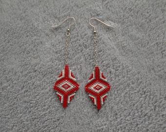 boucles d'oreilles losange rouge / boucles d'oreilles tissée / perles miyukis / boucles d'oreilles noël / rouge noël / cadeau pour femmes
