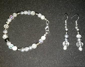 154. Dangling Earrings With Matching Bracelet Set