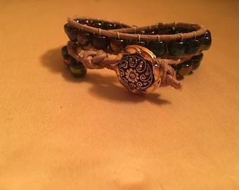 Iridescent beaded bracelet