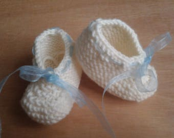 Off-white baby booties wool