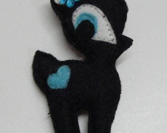 """""""Fawn"""" felt black with flower blue brooch"""
