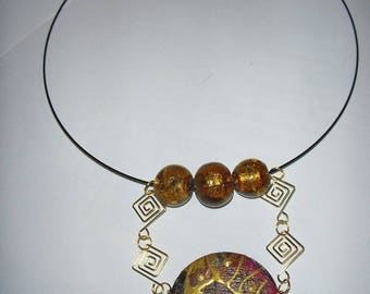 Very pretty pendant with Choker wood color