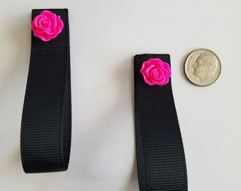 Magnetic shirt clip set with pink flower accent