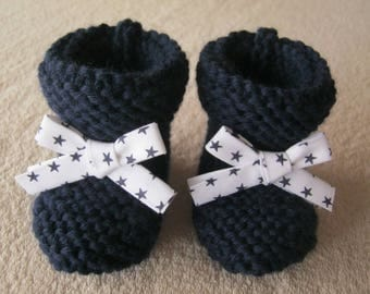 White Ribbon with stars and Navy blue wool baby booties