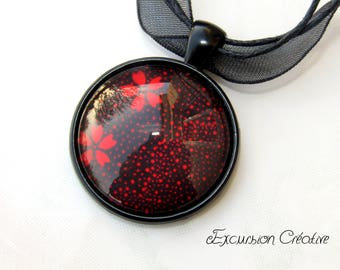 """""""Red flowers"""" cabochon pendant necklace 25 mm glass cabochon"""