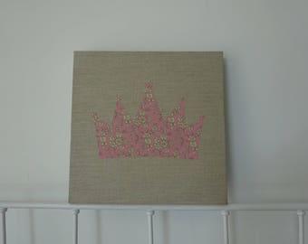 frame Crown, linen and liberty