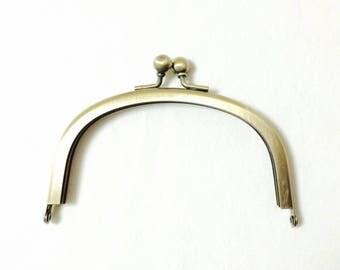 Metal frame for purse - antiqued gold - 10.1cm x 5.7cm {523, 524}