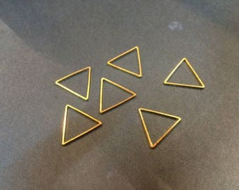 20 spacer triangle 14mm for jewelry designs