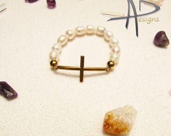 Bracelet of cross with river pearls