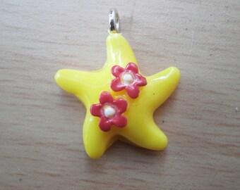 Charm yellow starfish and flower