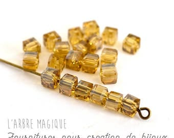 Set of beads Cube glass amber ORANGE highlights by 10